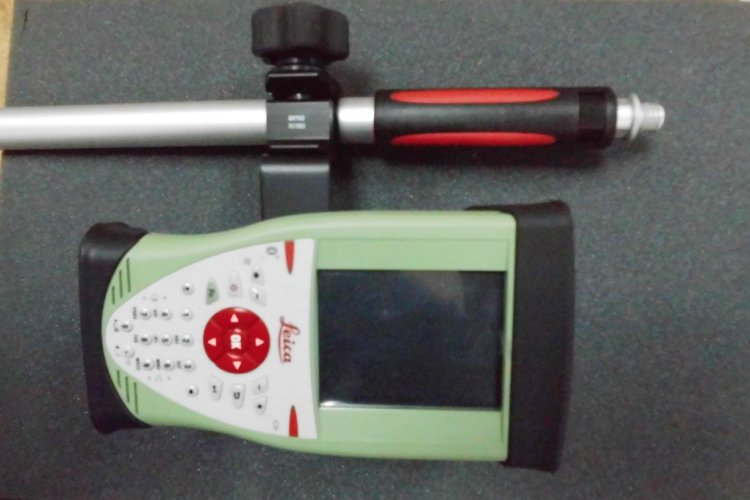 Комплект GNSS Leica GS14 Base + GS08 plus Rover GSM